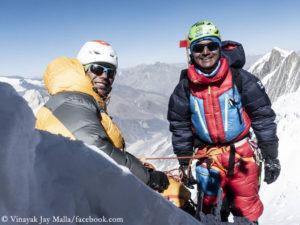 Vinayak Jay Malla (l.) and Tenji Sherpa on Manaslu