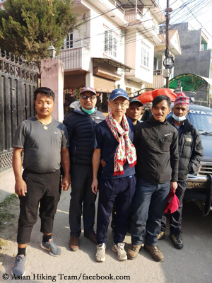 Toshihiro Yokoi (3rd from left) with Asian Hiking Team staff